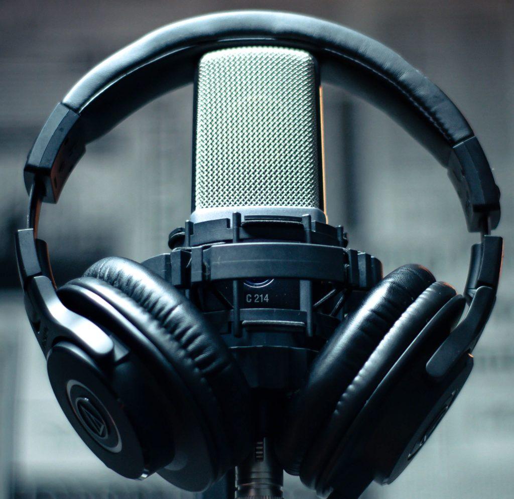 """✍️ RAFAEL PÉREZ CAMBRODI, VICEPRESIDENTE DEL COOCV, EN PLAZA RADIO: """"QUE LOS NIÑOS PUEDAN JUGAR AL AIRE LIBRE EXPUESTOS A LA LUZ SOLAR RALENTIZA EL AVANCE DE LA MIOPÍA"""" 🤸♀️"""